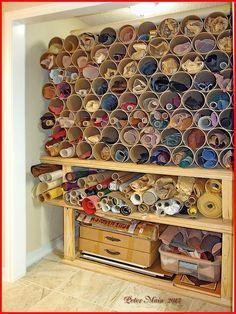 New Ideas leather workshop storage Sewing Room Organization, Craft Room Storage, Fabric Storage, Storage Spaces, Paper Storage, Yarn Storage, Storage Ideas, Workshop Storage, Workshop Ideas