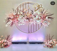 Diy Wedding Backdrop, Wedding Venue Decorations, Backdrop Decorations, Wedding Venues, Minimal Wedding, Rose Bouquet, Photo Booth, Flower Arrangements, Bridal Shower