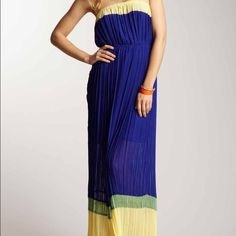 Romeo Juliet couture strapless pleated maxi dress Hi this dress is from Romeo and Juliet couture. It's a strapless pleated maxi dress. It has a color block pattern. Gorgeous! New with tags Romeo & Juliet Couture Dresses Strapless