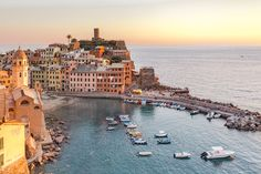 Have you visited any of these Italian cities or towns? Here is our list of the most beautiful places in Italy that you need to add to your Italian bucket list! Photography Tips, Nature Photography, Travel Photography, House Photography, Photography Classes, Landscape Photography, Beautiful Islands, Beautiful Places, Cinque Terre Italy