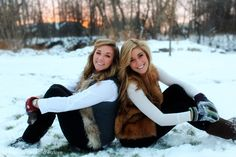 51 Ideas Photography Winter Friends Photo Ideas For 2019 Cute Sister Pictures, Friend Senior Pictures, Best Friend Pictures, Bff Pics, Sister Pics, Brother Sister, Photography Winter, Portrait Photography, Photography Ideas