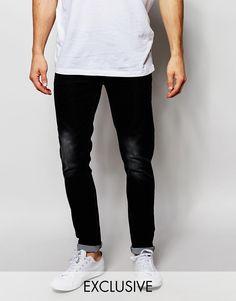 Jeans von Liquor N Poker Stretch-Denim verdeckter Hosenschlitz enge Passform Maschinenwäsche 70% Baumwolle, 26% Polyester, 4% Elastan unser Model trägt Größe 81 cm/32 Zoll und ist 185,5 cm/6 Fuß 1 Zoll groß