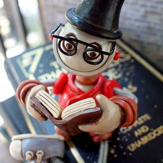 Enjoy a good book this long weekend... favorite novel to re-read to relax? | Handmade by HerArtSheLoves of Robots Are Awesome http://theawesomerobots.com