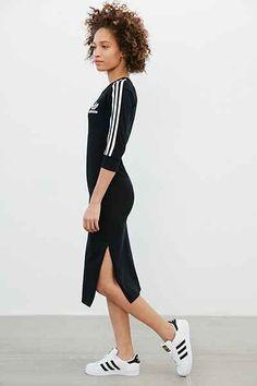 2016/2/26牡羊座ラッキー開運アイテム スポーティーなアイテム 積極性、リーダーシップ。個性を大いに発揮できるかも。adidas Originals 3-Stripes Midi Dress