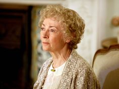 Actress Geraldine McEwan, known for playing Agatha Christie sleuth Miss Marple on television, has died aged 82.