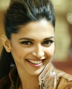 Deepika Padukone Beautiful Face Picture