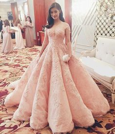 Nice dress for a wedding guest. Don't you think?