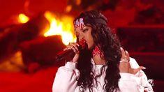 Pin for Later: Seht all die verrückten Momente der MTV Movie Awards — als GIFs Als Rihanna das Haus in Brand setzte Source: MTV