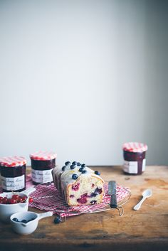 Berry loaf cake with icing