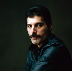 Freddie Mercury - Striking Rich Subtle