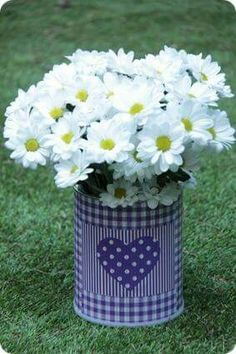 As fresh as a daisy x Tin Can Crafts, Easy Diy Crafts, Diy Crafts For Kids, Fun Crafts, Sunflowers And Daisies, Diy Y Manualidades, Recycle Cans, Aluminum Cans, Altered Tins