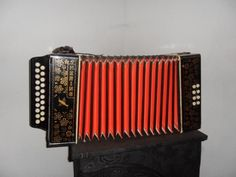 gaita | gaita ponto e um instrumento musical similar ao acordeom que possui ...