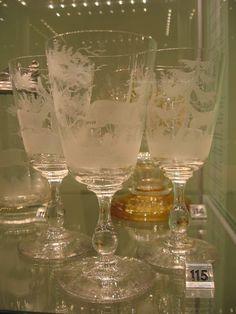 Fairyhungary: Múzeumok éjszakája Flute, Champagne, Tableware, Dinnerware, Tablewares, Flutes, Dishes, Tin Whistle, Place Settings