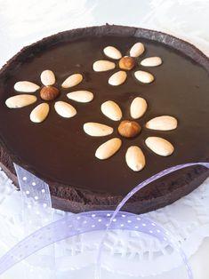 Una crema al cioccolato per crostate strepitose che vi permetterà di ottenere una copertura della frolla LISCIA E OMOGENEA, SENZA CREPE