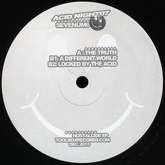 Macaron disque vinyle Acid Night 07 de 2013, label Toolbox records Toolbox, Macarons, Addiction, Label, Night, Vinyl Record Case, Pouch Bag, Tool Box, Macaroons