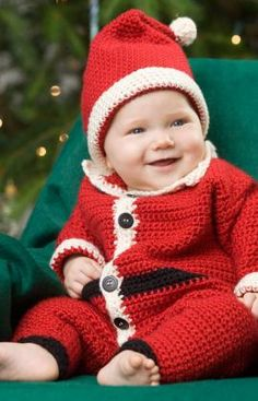 Infant Santa Suit and Hat on Red Heart - find links to this and more fantastic free Santa crochet patterns at mooglyblog.com!