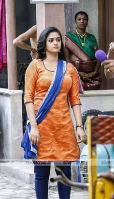 Keerthi Suresh Shy Look Beautiful Girl Photo, Beautiful Girl Indian, Most Beautiful Indian Actress, Beautiful Actresses, South Indian Actress Hot, Indian Actress Hot Pics, Indian Actresses, Beauty Full Girl, Beauty Women