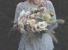 pretty bouquet by Jo Flowers via Flowerona