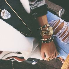 Arm fiesta. Blazer and ripped jeans. [Ivana Revic From California]