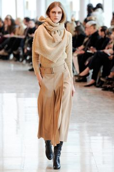 Christophe Lemaire Fall 2014 Ready-to-Wear Collection Slideshow on Style.com