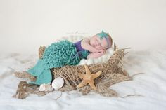 Crocheted Newborn Mermaid Outfit Baby Photo by CuteasaFoxShoppe Baby Set, Baby Love, Newborn Pictures, Baby Pictures, Baby Mermaid Outfit, Newborn Crochet Patterns, Mermaid Photos, Newborn Baby Photography, Baby Disney