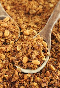 Baking with Blondie : Peanut Butter Chia Seed Granola