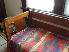 L and JG STICKLEY | EVEN ARM SETTLE | no.232 | ARTS AND CRAFTS | MISSION | BUNGALOW