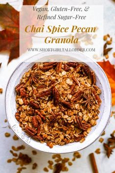 This Chai Spice & Pecan Granola is gluten-free, refined sugar-free, vegan, and made with whole grain oats for a healthy breakfast treat! Egg Recipes For Breakfast, Vegetarian Breakfast, Breakfast Ideas, Free Breakfast, Brunch Ideas, Vegan Recipes Beginner, Vegetarian Recipes, Healthy Recipes, Spicy Recipes