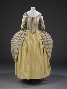 Gown | V&A Search the Collections