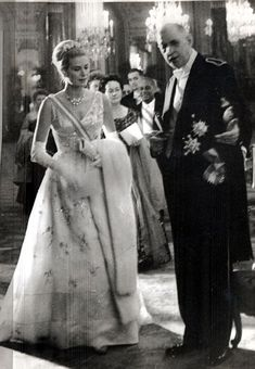 Princess Grace of Monaco, formerly Grace Kelly pictured with President Charles de Gaulle in 1959