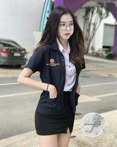 This remains my fav Irene edit 😍 University Girl, Ulzzang Korean Girl, Red Velvet Irene, Student Fashion, Velvet Fashion, Girl Crushes, Kpop Girls, Asian Girl, Outfits
