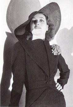 Joan Crawford, 1936.