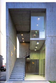 중앙입시교육연구원 주출입공간/방철린 Joongangyisigyoyukwon HQ Office bldg. by Bang, Chulrin/Architect Group CAAN