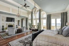 Beautiful Master Bedroom.Love The Doors To Go Outside.......