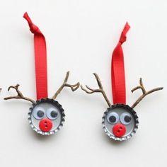 Easy Christmas craft for kids to make using bottle tops