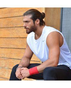 Demet Özdemir and Can Yaman in Episode Turkish Men, Turkish Actors, Bearded Men, Hairy Men, Frases Coaching, Beard Lover, Stylish Boys, Man Bun, Good Looking Men