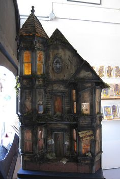 "Excellent Haunted Dollhouse! ""Spooky"" by unsure shot, via Flickr"