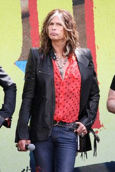 That pose. | 21 Photos That Prove Steven Tyler Is The Coolest Grandma Ever