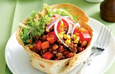 Countdown   Easy Mexican Beef Salad Bowls recipe Mexican Tortilla Recipe, Mexican Food Recipes, Beef Recipes, Ethnic Recipes, Taco Salad Bowls, Beef Salad, Quick Meals, Stuffed Peppers, Recipe Ideas