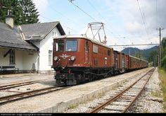 RailPictures.Net Photo: HLE 1099007 OBB Austria Rail HLE 1099007 at Mitterbach, Austria by Ivo Van Steenwinkel Electric Locomotive, Diesel Locomotive, Third Rail, Electric Train, Train Journey, Austria, Trains, British, Club