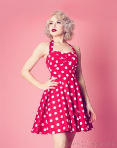 Red Polka Dot Vintage Style Halter Dress / Pin Up Rockabilly Moda Rockabilly, Rockabilly Shoes, Rockabilly Fashion, Retro Fashion, Vintage Fashion, Rockabilly Style, Rockabilly Girls, Pin Up Outfits, Pin Up Dresses
