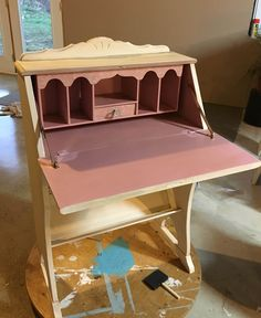 Just finishing this cute secretary desk for a client. Love the pink, I added découpage napkins on the inside details. Loved how it turned out.
