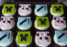 Minecraft & food ~ my two favs! Minecraft Cupcakes, Minecraft Food, Minecraft Birthday Party, Cute Cupcakes, Cakes For Boys, Creative Cakes, Cookie Decorating, Cupcake Cakes, Pigs