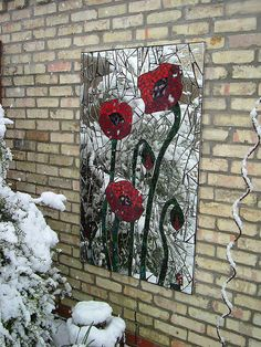 'Poppies' in the snow on Easter Sunday. Mosaic Flowers, Stained Glass Flowers, Stained Glass Crafts, Stained Glass Designs, Mosaic Crafts, Mosaic Projects, Mosaic Designs, Mosaic Patterns, Mosaic Artwork