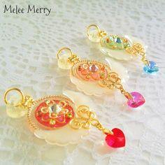 ハンドメイドマーケット+minne(ミンネ)|+魔法少女のキラキラ懐中時計✡。:* Resin Jewelry Making, Glass Jewelry, Stone Jewelry, Beaded Jewelry, Kawaii Jewelry, Cute Jewelry, Charm Jewelry, Sailor Moon Crafts, Glitter Force