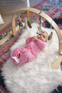 The Best Baby Play Gym - @stylewthinreach shares why she loves this chic baby toy!