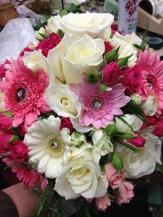 @ dutch tulip flowers for brides' columbiana ohio florist 330.482.2909