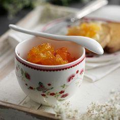 Här hittar du ett läckert recept på Grapefrukt och ananasmarmelad. Botanisera bland massor med recept, tips och inspiration.
