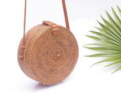 Rattan Ata Bag - Round Straw Purse - Wicker Bag - a unique product by tropicalboho. Via en.DaWanda.com.