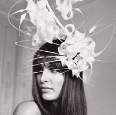 Fashion & Style Tips: Philip treacy hats Fancy Hats, Cool Hats, Philip Treacy Hats, Fascinator Hats, Fascinators, Headpieces, Derby Hats, Wedding Dress Styles, Mode Inspiration